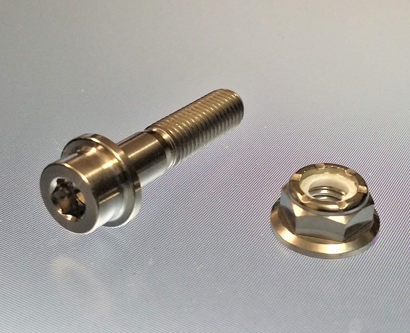 NISMO LM-GT1 AND LM-GT2 M7X30MM BOLT AND NUT